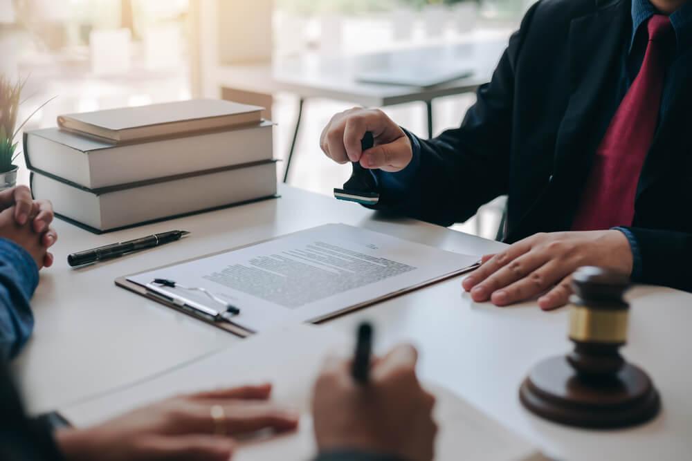 Czym jest umowa dożywocia i czy pomoże uniknąć zapłaty zachowku